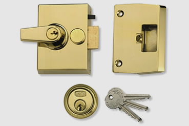 Nightlatch installation by Maida Vale master locksmith